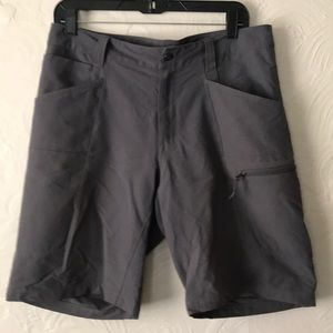 Men's athletic North Face shorts